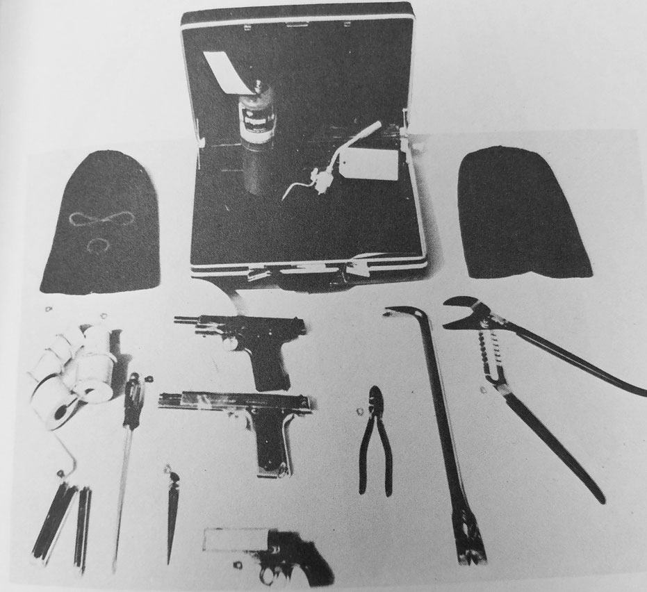 The burglary kit used by Frank Hohimer.